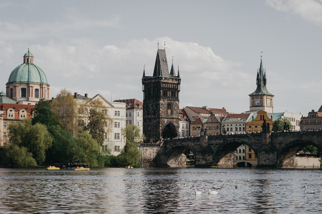 Sightseeing in Prague after railway connection from Vienna to Prague